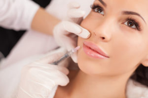 lip-injections-lip-plumping-makeup-beauty